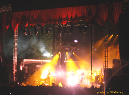 My Morning Jacket play a dazzling 3 hr set in a late night rainstorm at Bonnaroo 2008.