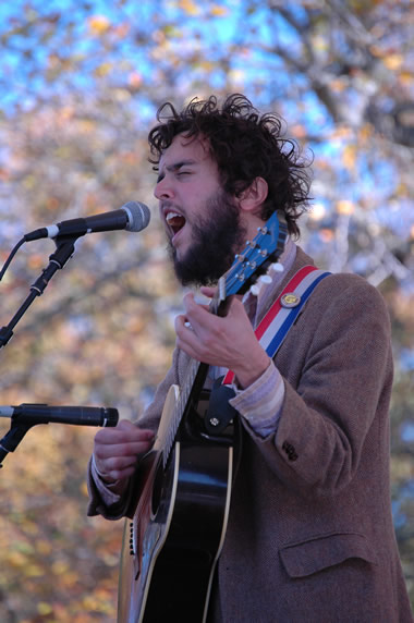 Sam Quinn of the everybodyfields at Americana Folk Fest.