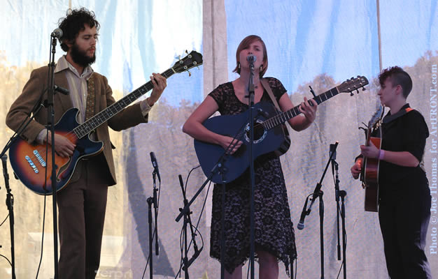 the everybodyfields at Americana Folk Fest photo by Joe Thomas article by Robin Merritt Nov. 2006
