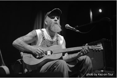 Seasick Steve onstage at Green Man 2007